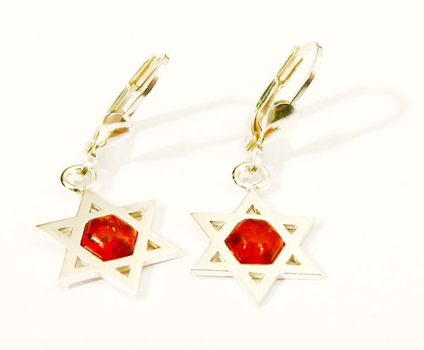 Judaica earring with cognac amber