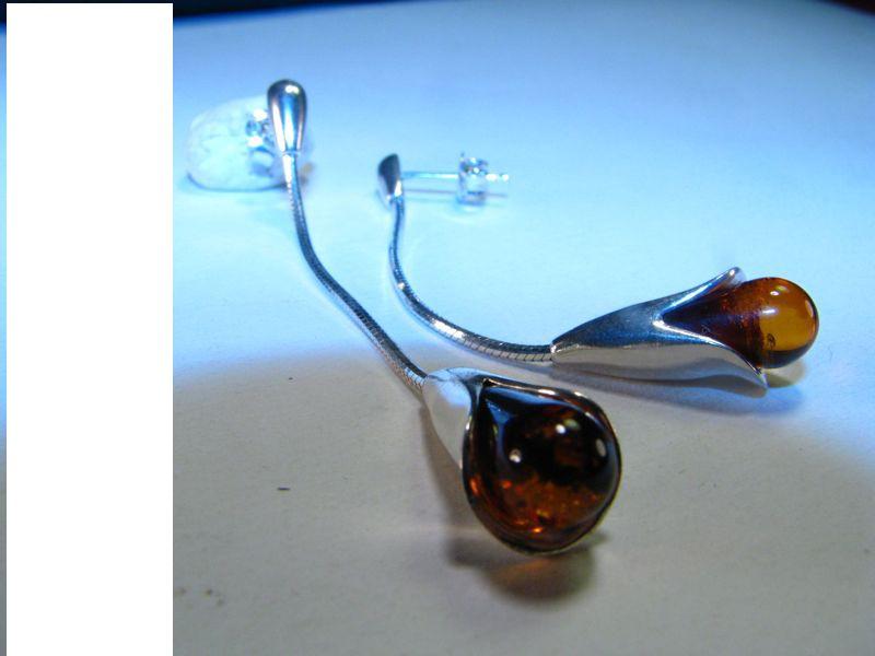 Flower bud Cognac/honey Balric amber earring on silver snake chain