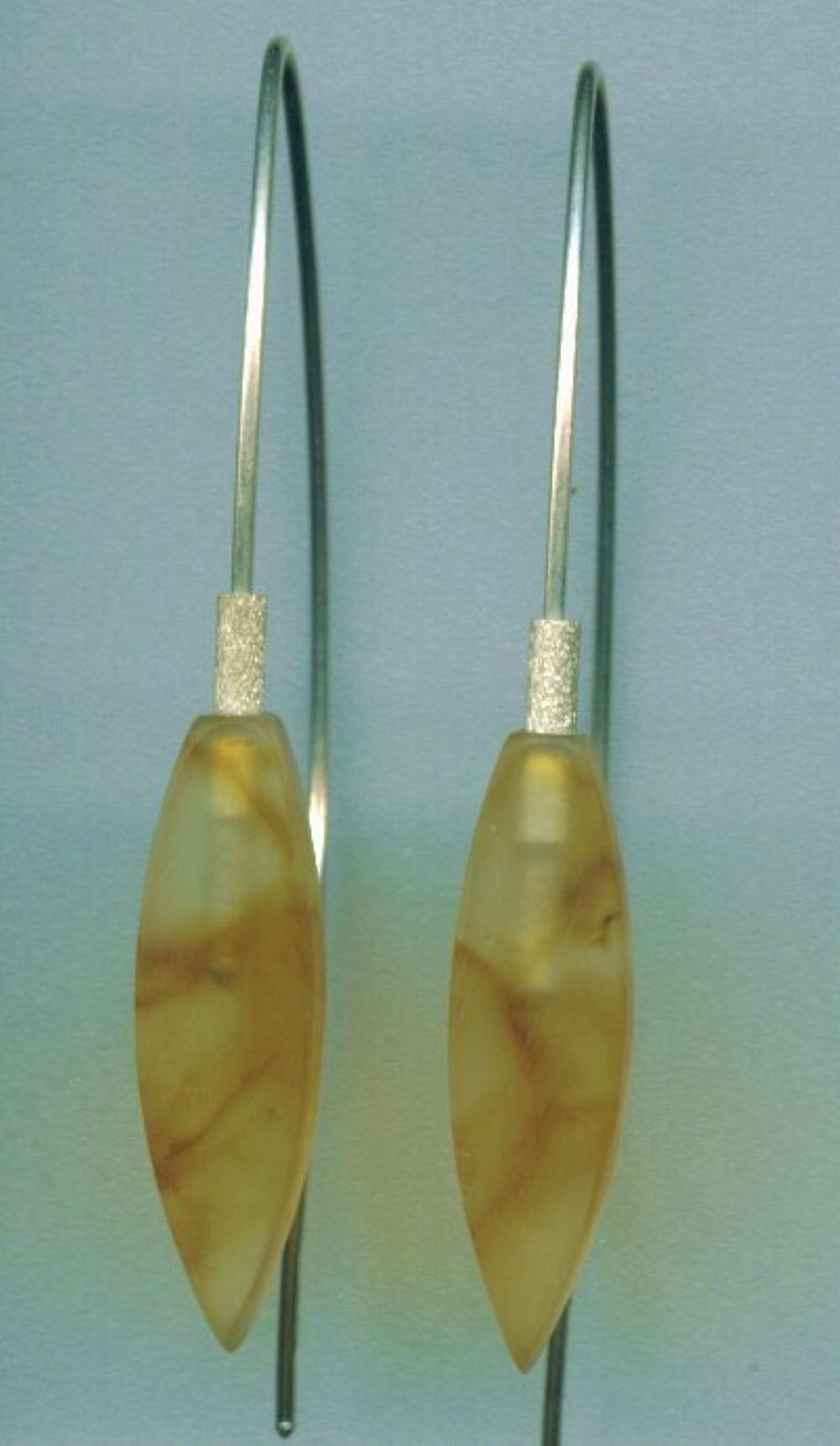 Arrowhead amber earring