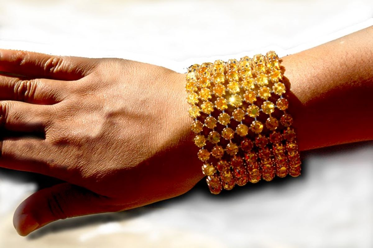 The ultimate amber bracelet