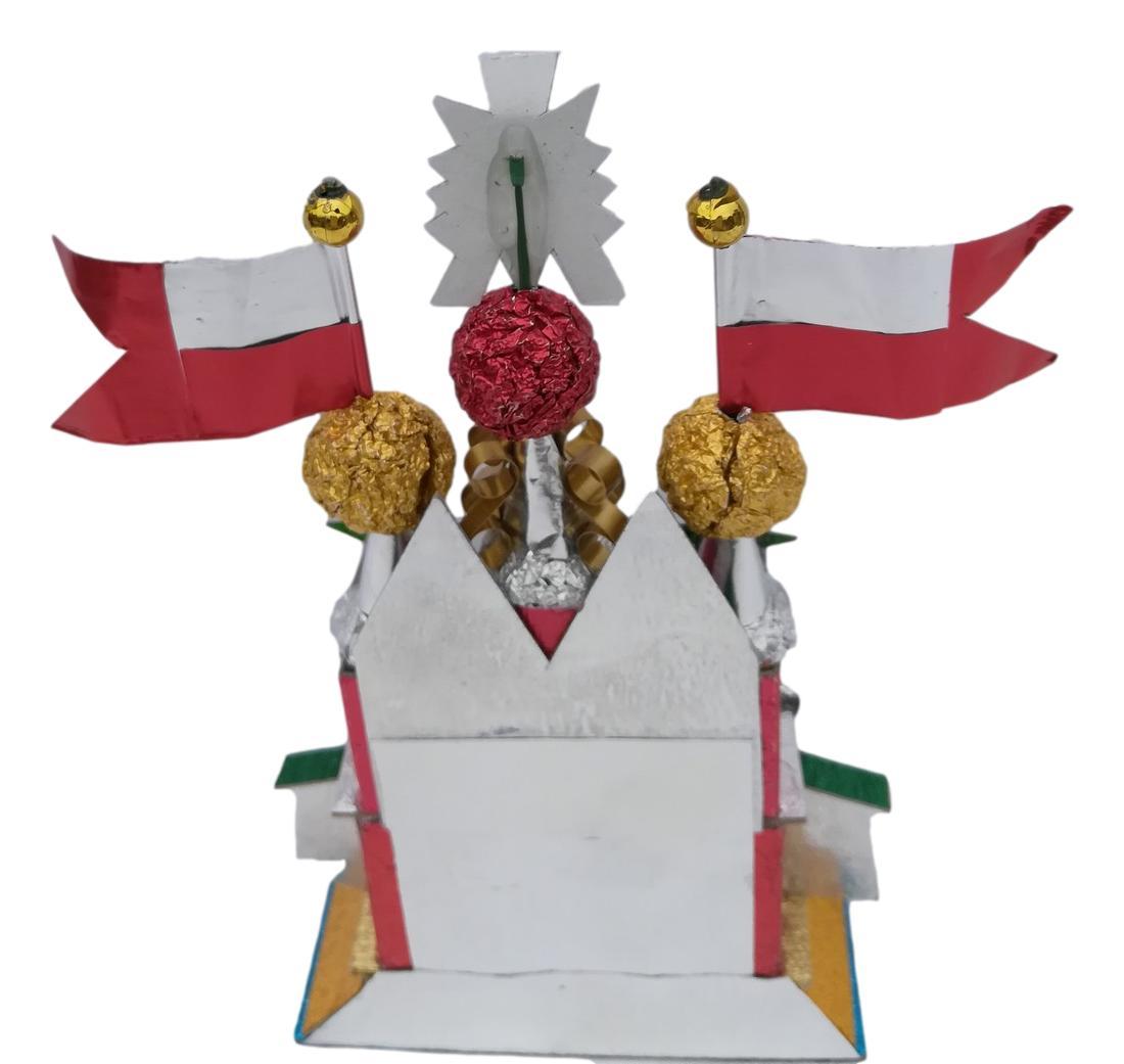 Tiny creche Krakow Nativity - the flower Krakow Nativity - back